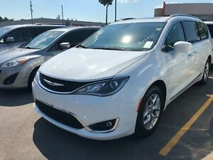 2018 Chrysler Pacifica LEATHER l PANO SUNROOF l BLU RAY