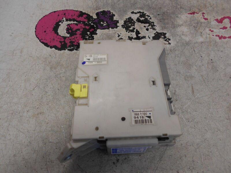 LEXUS IS 220D NEARSIDE INTERIOR FUSE BOX  05-13