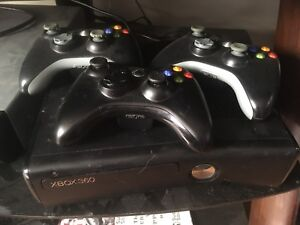 Xbox 360 3 controllers and 17 games