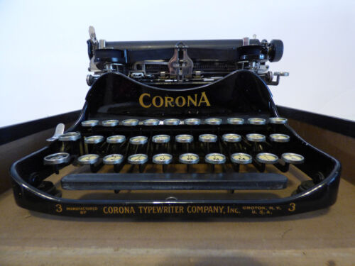 Antique Corona 3 Folding Typewriter with Case Ca. 1918-1919