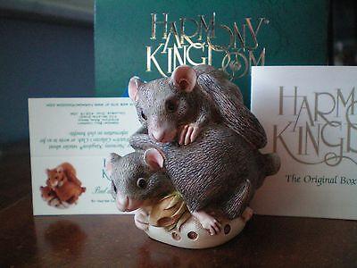 Harmony Kingdom Bed and Breakfast Dormouse UK Made Box Figurine COLOR VARIATION
