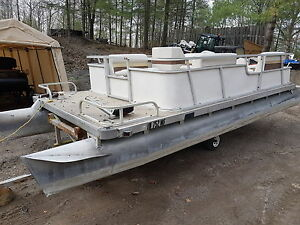 Pontoon boat with seats  20 by 8