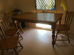 Colonial Pine Table with 6 Sturdy Chairs