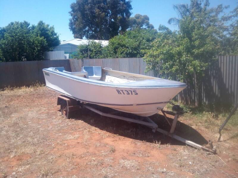 14ft boat with trailer | Motorboats & Powerboats | Gumtree