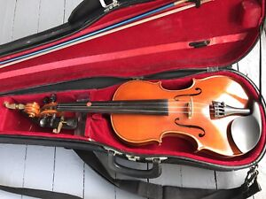 VIOLIN WITH HARD CASE & ALL ACCESSORIES