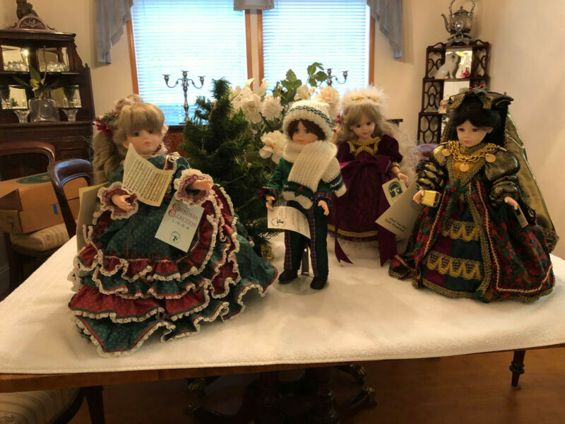 Robin Woods Christmas Collection lot 4 dolls 2 (1988) 2 (1990)