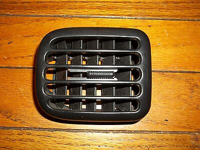 98-01 DODGE RAM PICKUP TRUCK DASH HEATER VENT DRIVERS LEFT  99 00 1500 2500 3500