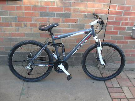 mens 26inch mountain bike still like brand new rode twice Bakery Hill Ballarat City Preview