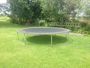 trampoline 14 pieds