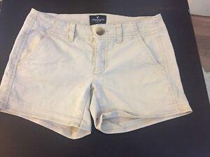 Girls American eagle size 0 beige shorts