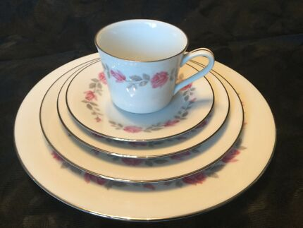 "NORITAKE ""Carmen"" c. 1963 Dinner Set for 6 people - COMPLETE & PERFECT"