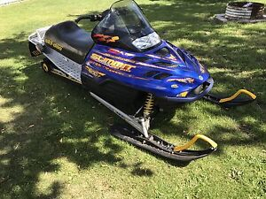 2002 skidoo summit 800 extreme tracktion edition