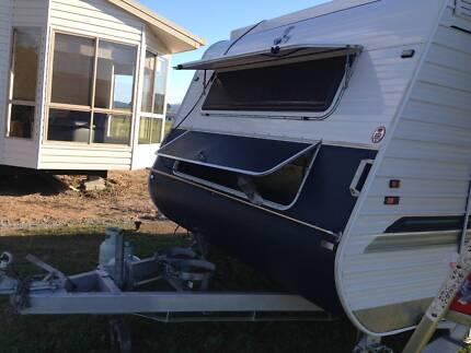 Crusader Pop-Top Caravan for sale. Redhead Lake Macquarie Area Preview
