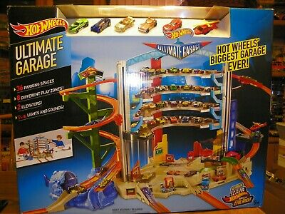 Hot Wheels Ultimate Garage Brand New NEVER OPENED