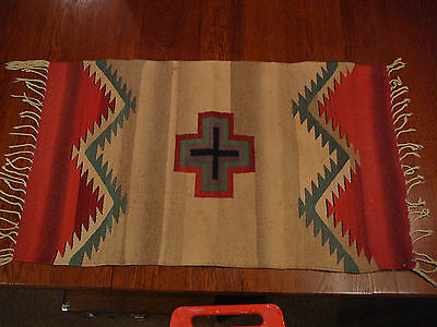 VINTAGE NATIVE AMERICAN INDIAN RUG WALL HANGING TEXTILE ART TAN RED GREEN
