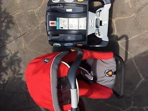 Chicco baby car isofix infant carrier with base Rooty Hill Blacktown Area Preview