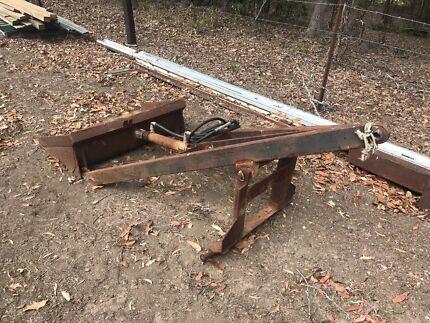 Tractor rear scoop