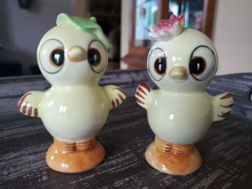 Vintage JAPAN Ceramic Yellow EASTER Chicks - Salt and Pepper Shakers