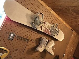 Empress 5150 snowboard and size 8 women's boots