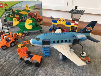 Lego Duplo: Airport and Cargo Plane (5594 and 5595)
