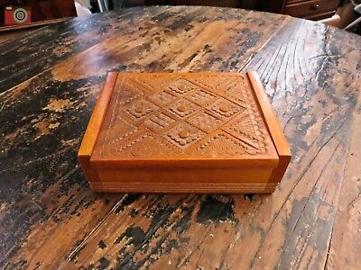 SMALL EARLY 20th CENTURY HAND CARVED BOX. Cards, Jewellery, Trinkets.