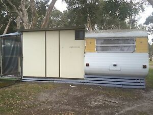 URGENT SALE AND REMOVAL OF CARAVAN AND ANNEX Budgewoi Wyong Area Preview