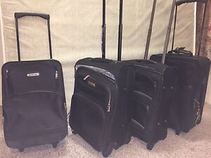 Pull type suitcases 3 left