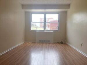 Ground Floor 2 Bdrm In Central Dartmouth -Aug!