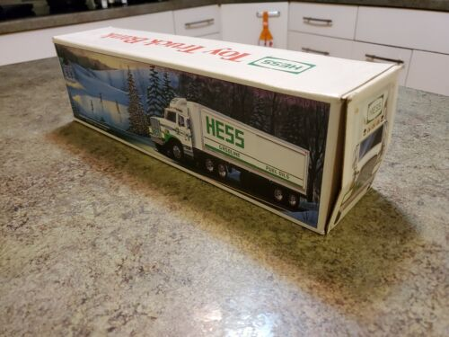 Advertising HESS Gasoline Fuel Oils Toy Truck Coin Bank NRFB NEW