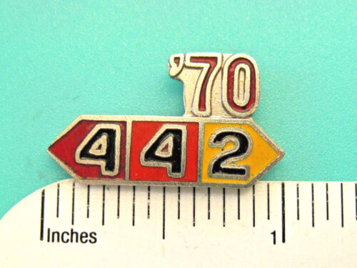1964 - 1971  442  OLDSMOBILE - hat pin , tie tac , lapel pin , hatpin GIFT BOXED