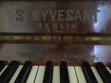 Stuyvesant Upright Piano (FREE). Bilgola Pittwater Area Preview