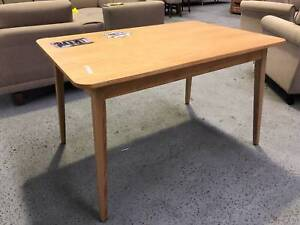 Stunning small dining table Epping Whittlesea Area Preview