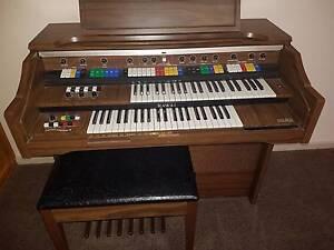organ keyboard Greensborough Banyule Area Preview