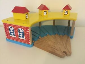 Wooden Railway 5 Toy Train Engine Tidmouth Shed Round House Fit Brio Bigjigs NEW