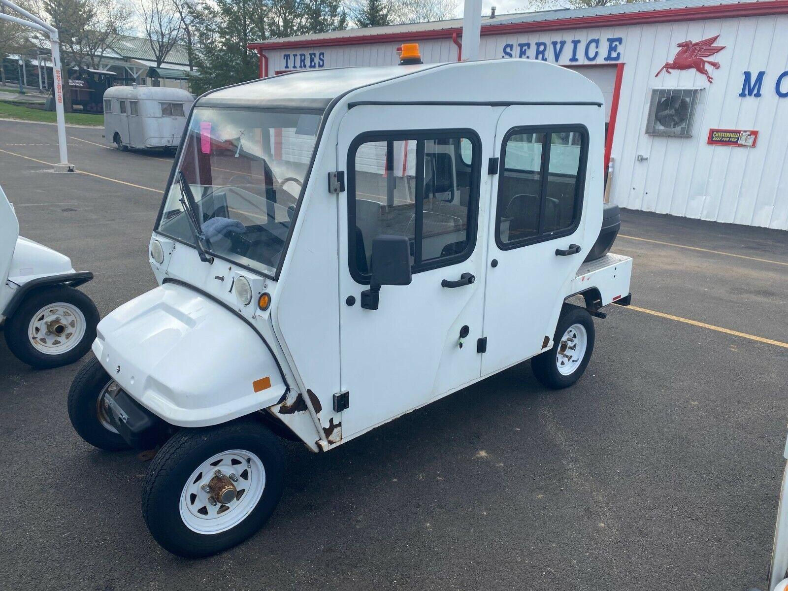 Columbia Electric Cart 4 dr