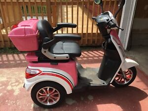 Daymak Roadstar Electric Scooter