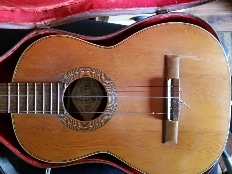 Antique Guitar & Case Carlos R Norato 6 String Classical Colombiana  Very Rare