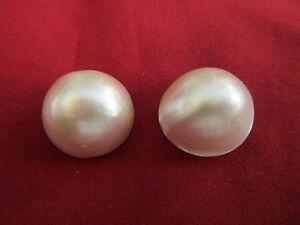 Paar Mabe-Perlen, Durchmesser ca. 18 mm