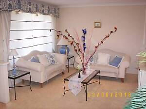 FULLY FURNISHED FAMILY HOME - SOLA PANELS & PETS FRIENDLY Port Kennedy Rockingham Area Preview
