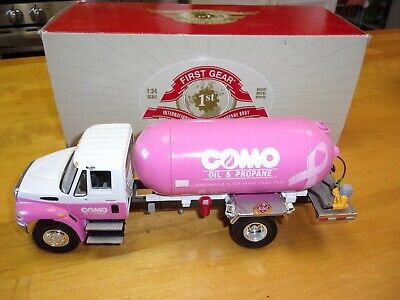 First Gear International Truck 3835 Como Oil Propaine 1:34 Diecast Collectible