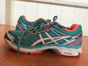 Asics running shoes - Women West End Brisbane South West Preview
