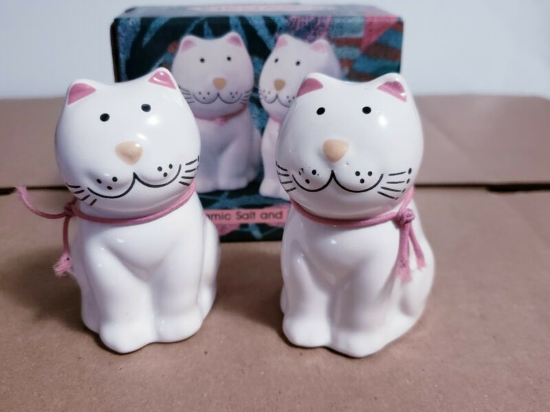 Vtg 1989 COZY CATS Collection Ceramic Salt & Pepper Shaker Set #22410 Brazil NOS