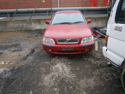 volvo 40 serious 2001