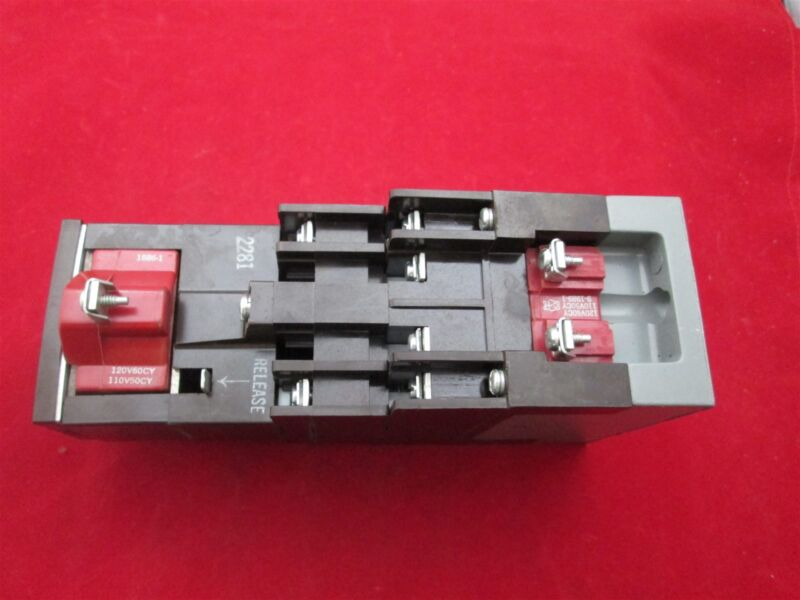 Cutler Hammer D26MR802 Latched Relay