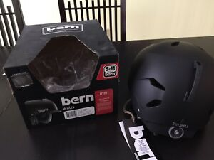 Men brand new Bren Watts EPS size SM/MD (54-57cm)