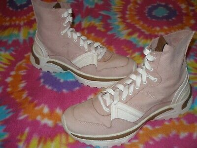 womens size 9B COACH G3251 HI-TOP SNEAKER STYLE LEATHER BOOTS WORN 1 TIME $295**