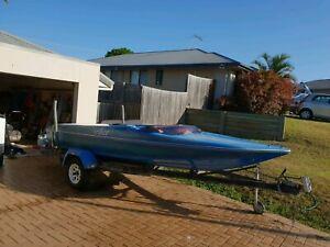 Sterling monza ski boat