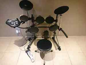 ROLAND TD6 (TD-6V) ELECTRONIC V-DRUMS DRUM KIT (ELECTRIC SET) Quakers Hill Blacktown Area Preview