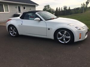 2008 Nissan 350Z Convertible - MINT CONDITION