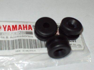 <em>YAMAHA</em> DT125 DT175 SIDE PANEL RUBBERS  X 3 GENUINE